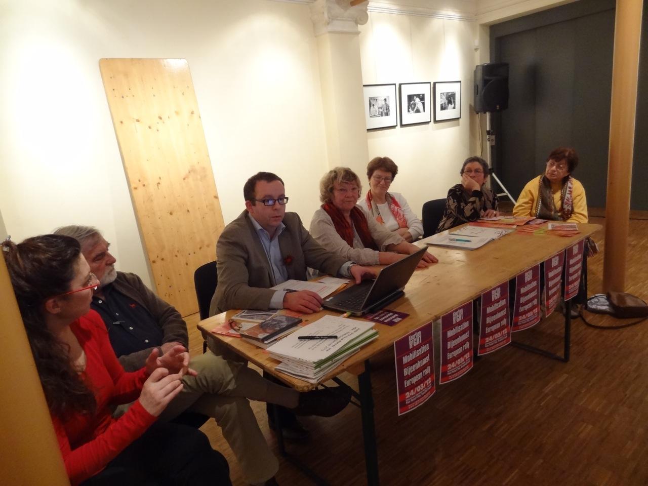 Sylvie Lausberg, Marc Abramovicz, le président du CPAS, l'échevine Anne vanesse, Françoise Dupuis, présidente du parlement bruxellois, Fanny Filosof et Thérese Liebmann